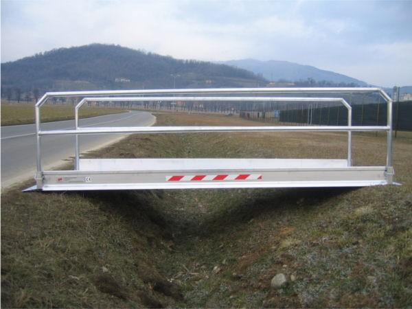 Die Laufbrücke MPP eignet sich um horizontal Barrieren zu überbrücken.