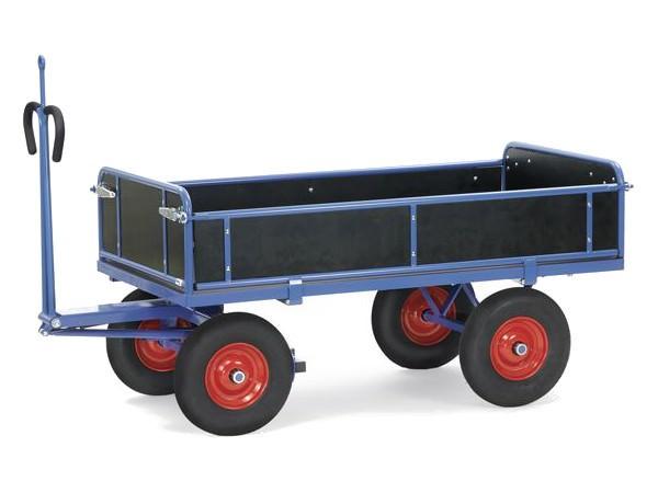 Der handliche Pritschenwagen ermöglicht den sicheren Transport von Lasten bis 1250 kg.