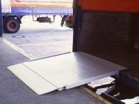 Die Verladebruecke HF dient zum Be- und Entladen von Transportfahrzeugen.