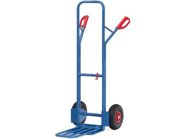 Der stabile Karren kann bis zu 300 kg tragen.