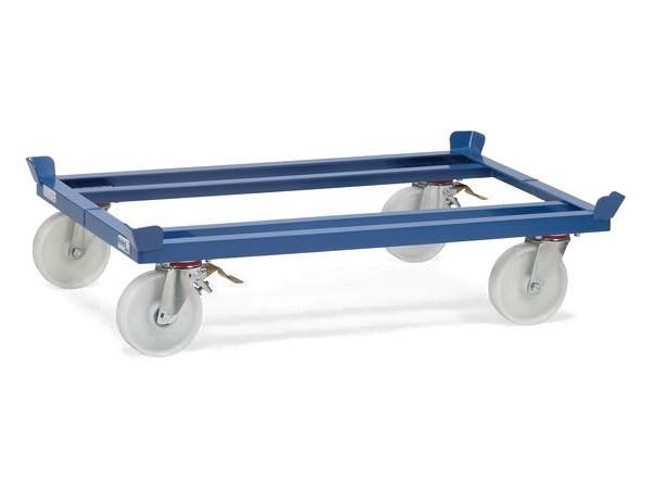 Der kompakte Transportwagen für Palettenware oder Gitterboxen kann bis zu 1.050 kg tragen.