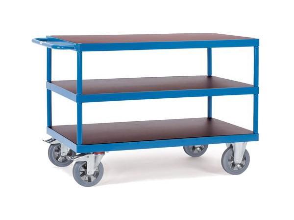 Dieser Tischwagen besitzt 3 Ladeflächen - die mittlere und obere Fläche kann jeweils mit maximal 500 kg belastet werden.