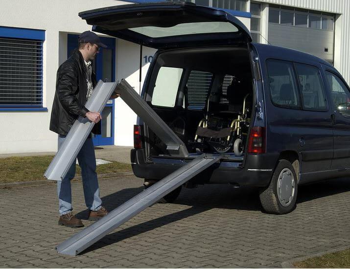 Rollstuhlschienen-ABS-F-klappbar-Altec-0