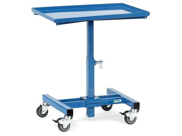 Der praktische Materialständer kann mit Materialien bis 150 kg belastet werden.