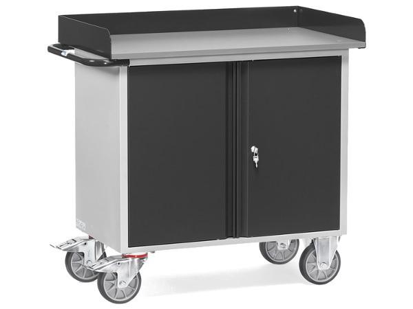Der Stahlblech Werkstattwagen beinhaltet 2 Schrankfächer - deren Einlegeböden können bis zu 80 kg tragen.
