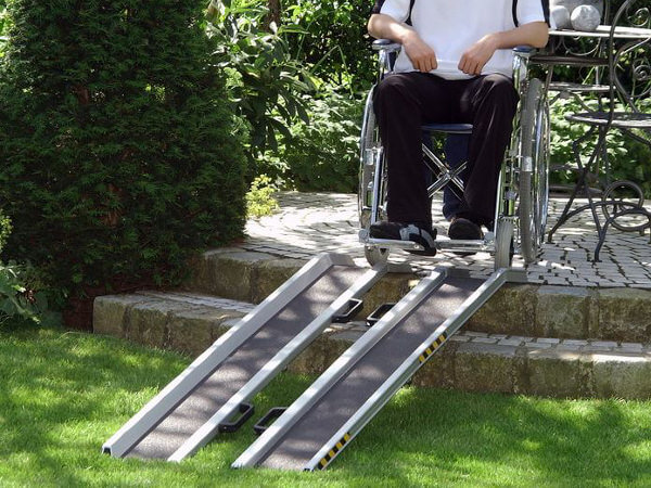 Rollstuhlschienen-RAS-Antirutschbelag-Altec-1