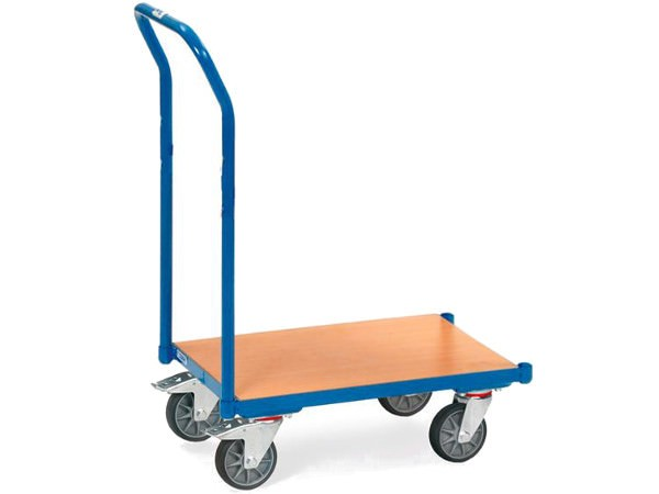 Der Kastenroller mit Holzboden kann mit Eurokästen bestückt werden.