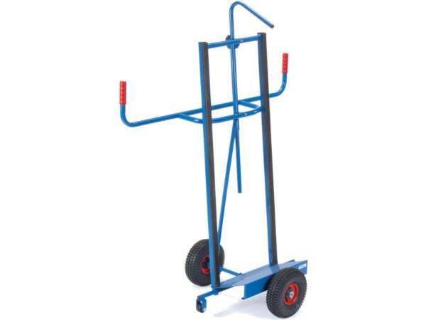 Der robuste Plattenwagen besitzt eine Kippsicherung und kann bis zu 400 kg Last tragen.