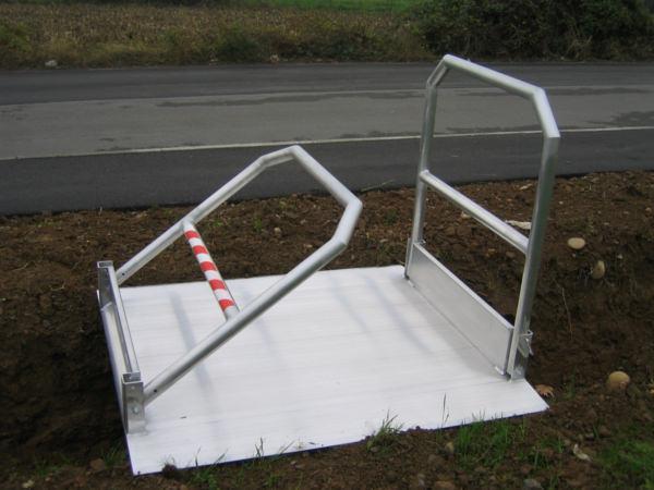 Fussgaengerrampe-gelaender-aus-Aluminium-MPPI-Metalmec