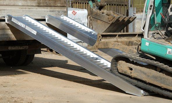 merkmale-avs-150-auffahrschienen-verladeschienen-fuer-minibagger-radlader-altec