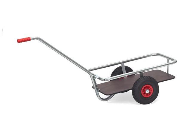 Der feuerverzinkte Handwagen eignet sich optimal für den Außenbereich.