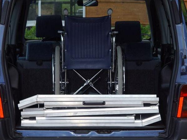 Rollstuhlschienen-ABS-Z-klappbar-Altec-1