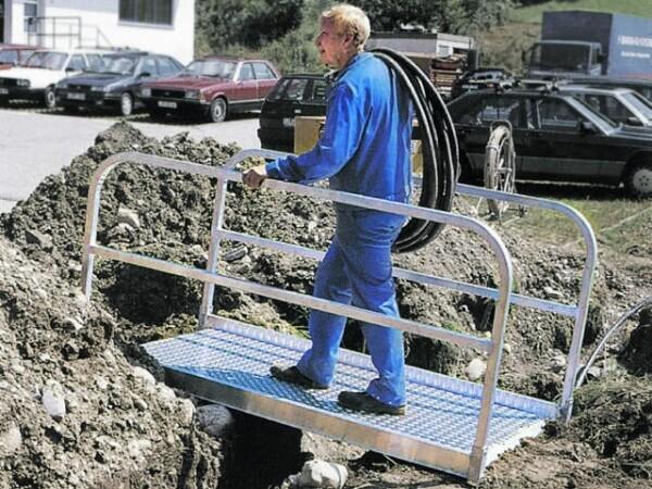 Aluminium Grabenbruecke zum Ueberqueren von Kanal oder Graben.