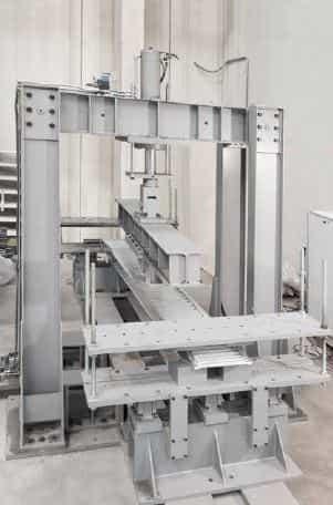 Auffahrrampen und Auffahrschienen werden speziellen Belastungstests unterzogen - somit gewährleisten unsere Hersteller maximale Sicherheit.