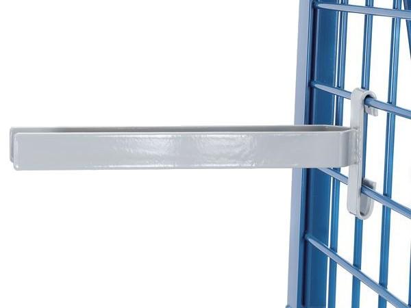 Der Gabelträger besitzt eine lichte Weite von 50 mm und kann bis zu 25 kg an Last tragen.