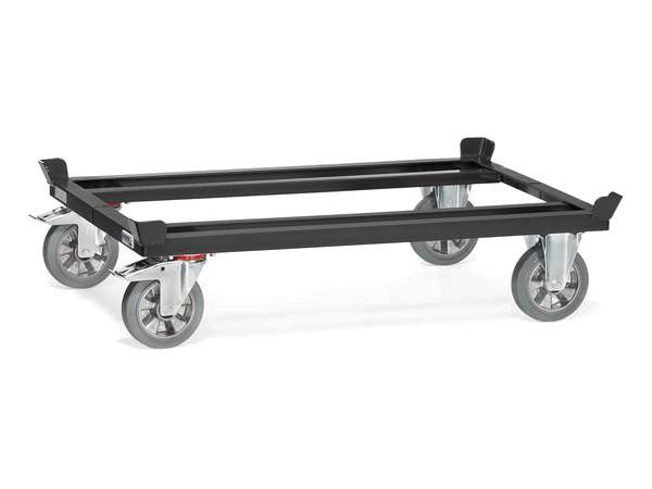 Das Paletten-Fahrgestell aus Stahl kann Lasten bis 1200 kg tragen.